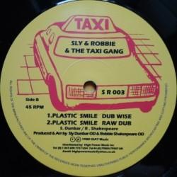 Black Uhuru - Plastic Smile...
